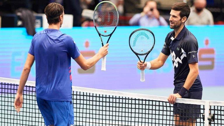 Sonego reage nas redes sociais à vitória frente a Djokovic e Kyrgios não resiste em comentar