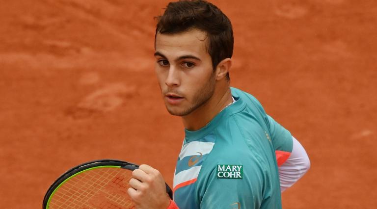 Gaston, 20 anos, dá 6-0 no quinto set e elimina Wawrinka de Roland Garros