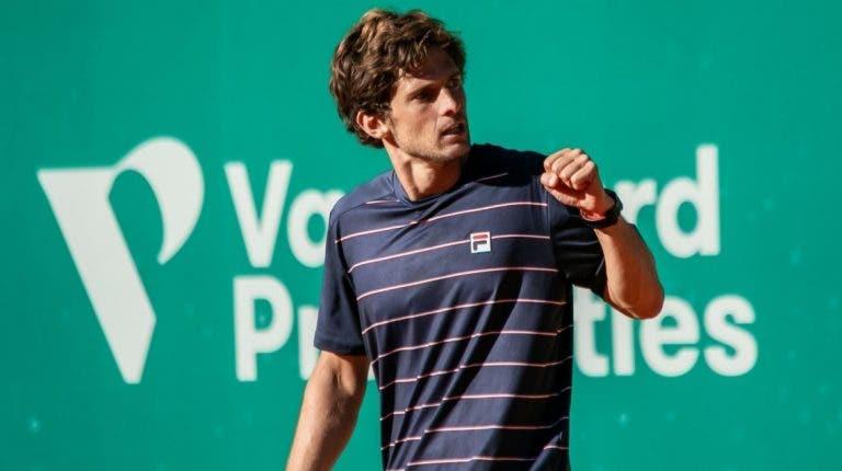 Pedro Sousa joga muito e vence facilmente rumo à final do Maia Open
