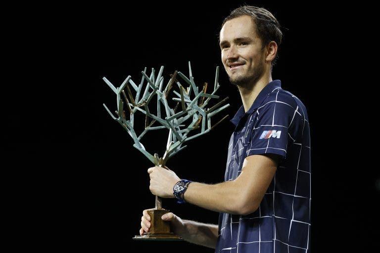 Medvedev e Zverev sobem, Federer e Tsitsipas descem: eis o novo top 10 ATP