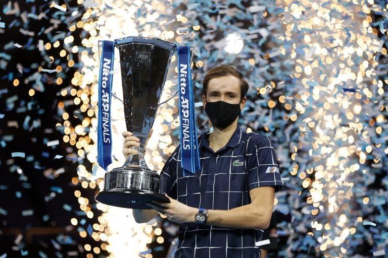 Medvedev somou o quarto título de relevo após vitória em Londres