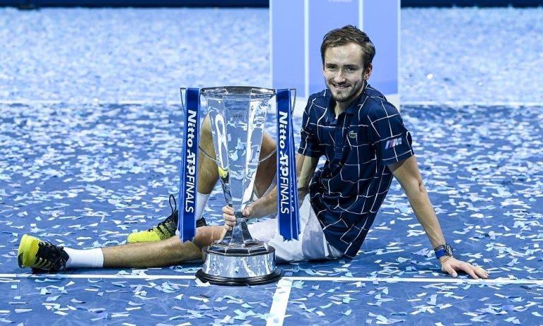Medvedev alcança maior título da carreira nas ATP Finals