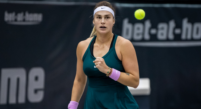 Sabalenka fecha época com 9 vitórias e 2 títulos seguidos e tira Serena do top 10