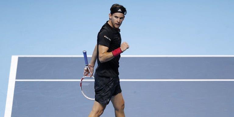 Thiem vence batalha de loucos frente a Djokovic rumo a nova final em Londres