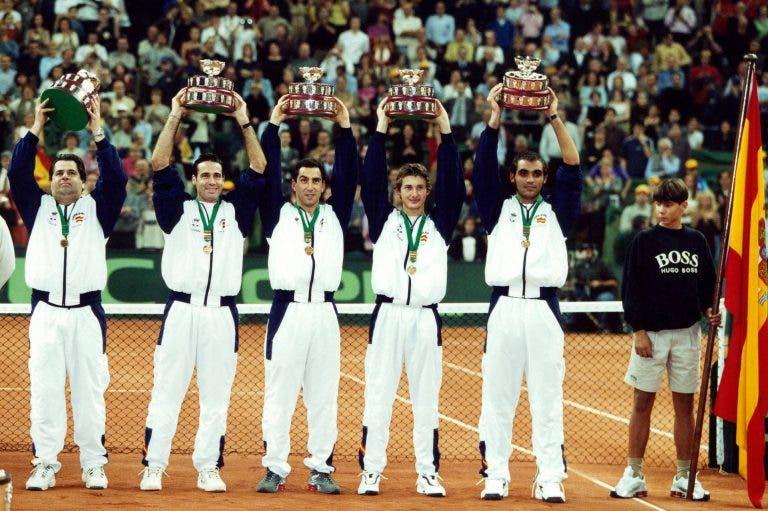Há 20 anos Espanha fez a festa na Taça Davis pela 1.ª vez