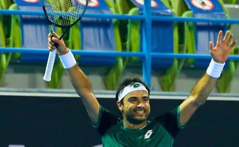 Frederico Silva joga muito e despacha talento norte-americano no arranque do Estoril Open