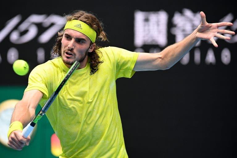 Tsitsipas discorda de Djokovic: «Rod Laver Arena é um dos courts mais lentos que existem»