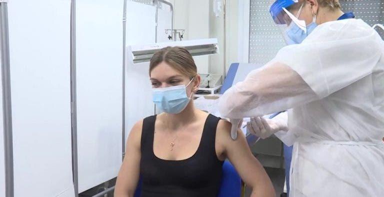 Halep já foi vacinada contra a Covid-19: «Não tenho efeitos secundários»