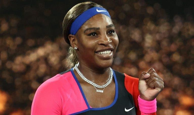 Recorde ali tão perto: super Serena arrasa Halep e luta com Osaka pela final