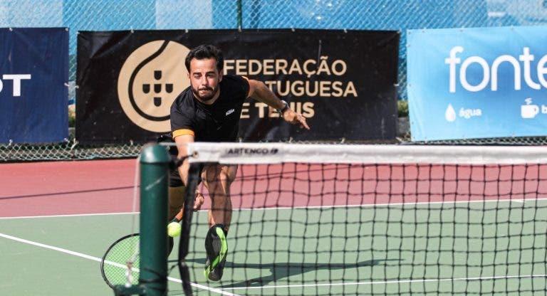 Gil lidera meia dúzia de portugueses na ronda de acesso em Portimão