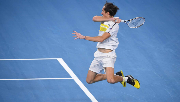 Medvedev: «Jogava horas contra a parede e imaginava Federer ou Nadal»