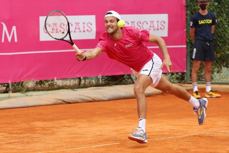 João Sousa defronta número um americano em Roland Garros