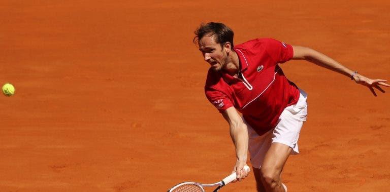 Medvedev: «Nunca vou gostar de terra batida, nem se ganhar Roland Garros»