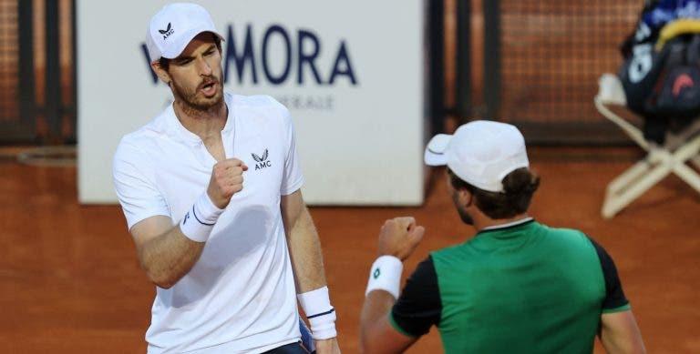 Andy Murray regressa aos courts com triunfo no torneio de pares em Roma