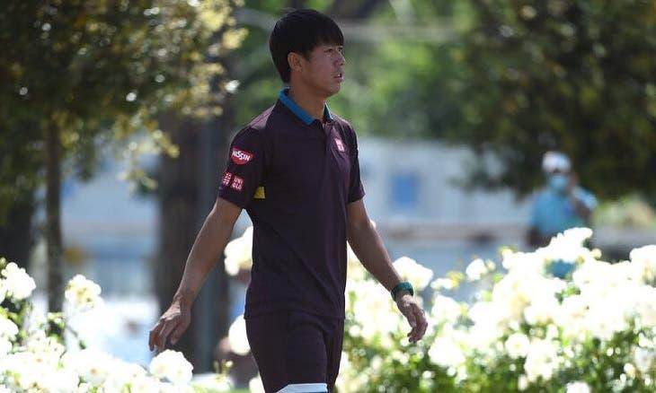 Nishikori passa por Carreño sem jogar rumo aos 'oitavos'