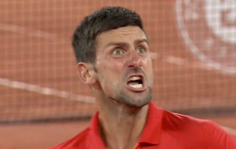 [VÍDEO] Djokovic festeja de forma (bastante) efusiva após confirmar novo duelo com Nadal