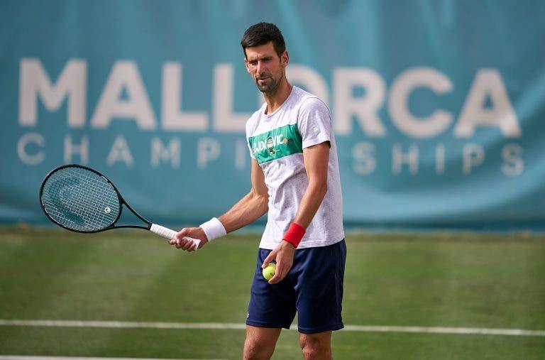 Djokovic vai jogar pares com espanhol em Maiorca e já tem dupla adversária