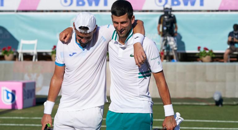 Djokovic elimina primeiros cabeças-de-série e vai às meias-finais de pares em Maiorca