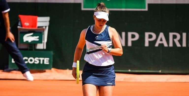 Krejcikova soma 10ª vitória seguida rumo às meias-finais em Roland Garros