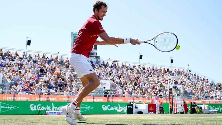 Medvedev com esperanças: «Vamos tentar aproveitar a pressão que o Djokovic tem»