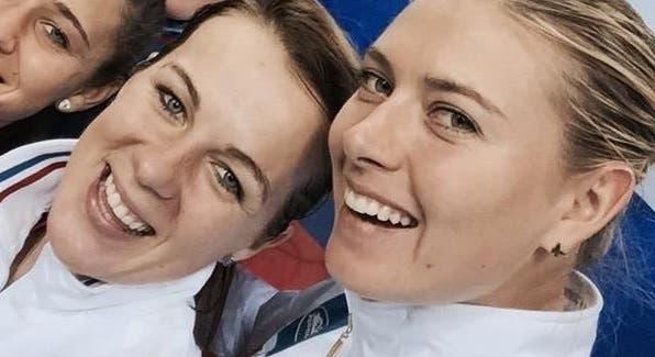 Pavlyuchenkova recoloca Rússia em finais femininas e Sharapova celebra