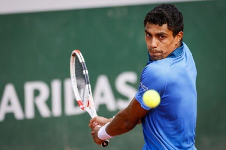Monteiro termina como 'vice' em Buenos Aires, sente dores e desiste de Lima