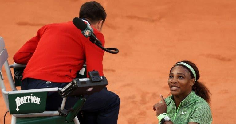 Serena partiu o sutien a meio do encontro: «Só queria fazer ases para despachar»