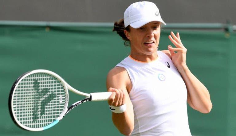 Swiatek arrasa em 55 minutos e avança quase de bicicleta para os oitavos-de-final em Wimbledon