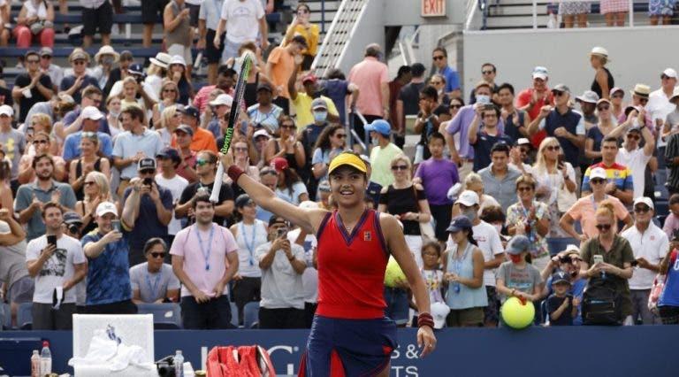 Mais uma estrela a nascer! Raducanu, de 18 anos, perde um jogo (!) rumo aos 'oitavos' do US Open