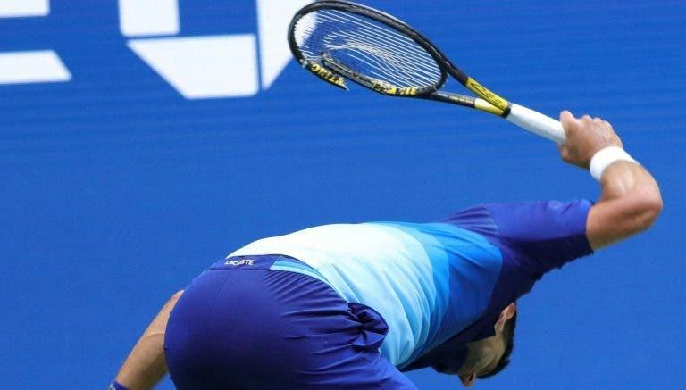 [VÍDEO] Djokovic destrói raqueta após momento de infelicidade na final do US Open