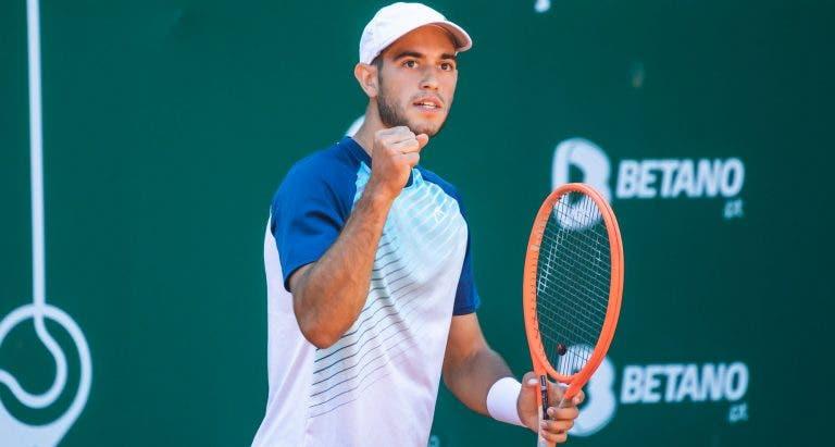 Nuno Borges também vence e junta-se a João Sousa e Frederico Silva nos 'quartos' em Alicante