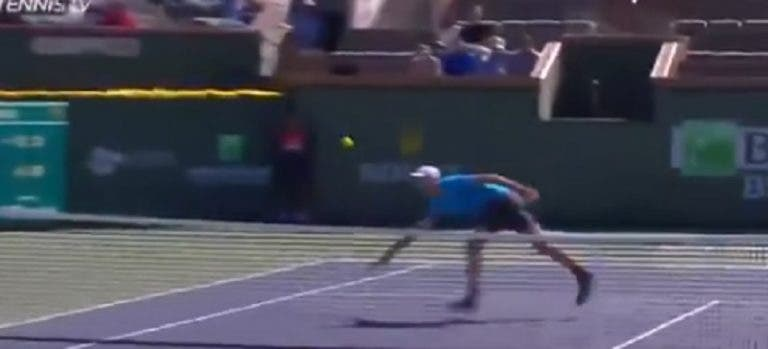 [VÍDEO] Hurkacz protagoniza o melhor ponto do dia em Indian Wells